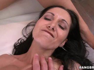pěkný bruneta ideální, skutečný skupinový velký, velká prsa vidět