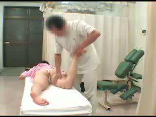 Kukkolás ázsiai picsa meztelen breast leszopás masturbation meglesés masszázs orgazmus szex