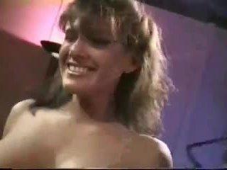 gros seins, vérifier millésime vous, évalué des stars du porno réel