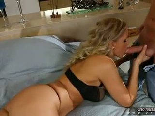 JuLia Ann Golden Haired Acquire Take Up With The Tongue By A Horny Guy