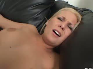 blondie Elizabeth Del Mar wants hard fucking