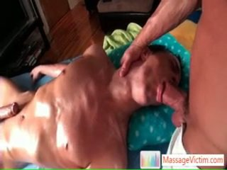 Brice enjoying alguns agradável anal massaging por massagevictim