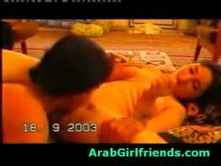 En chaleur beauty à partir de iraq sucks boyfriends bite en fait maison