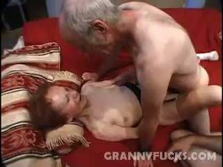Raw vanaema kolmekesi