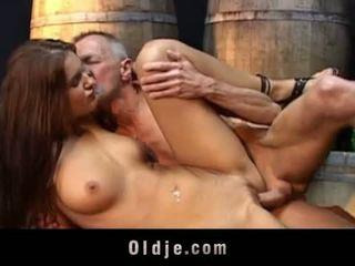 Oldje: lusty έφηβος/η fucks γριά γιαγιά