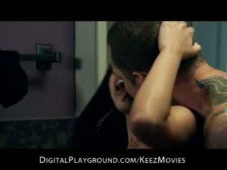 Selena rose - غش اتينا زوجة غير مارس الجنس إلى النشوة في ال حمام أرضية