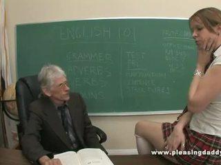 Muda pelajar putri kacau oleh dia tua guru