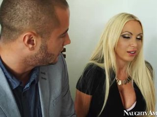 বিশাল titted সাদা nikki benz screwing onto মসলাযুক্ত america