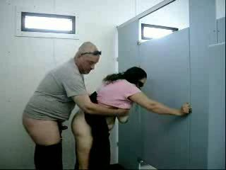 faty couple fack in toilets