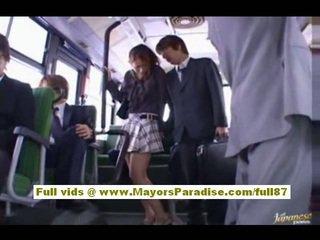 Nao yoshizaki сексуальна азіатська підліток на the автобус