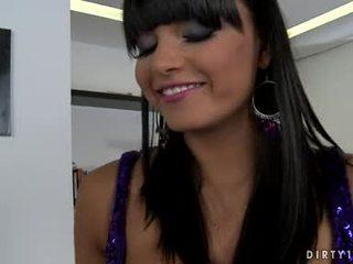 Cycate lezbo sasha cane mógłby nie oczekiwać dowolny longer do dostać jej ciało licked wszystko przez