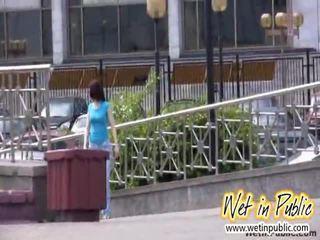 public sex, pissing, drunk women peeing, outdoor pissing