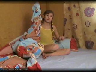زوجة jenny جدا جذاب شاب أبحث ألماني في سن المراهقة صغير الثدي قطاع عرض