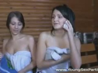 nieuw brunette, u groepsseks scène, online kindje neuken