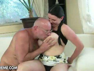 Grandpas baise adolescence: voluptuous laurea gets baisée par vieux guy