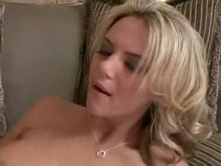 Dissolute חתיכה ashlynn brooke knows איך ל חלב the bump את של a smut copulatestick