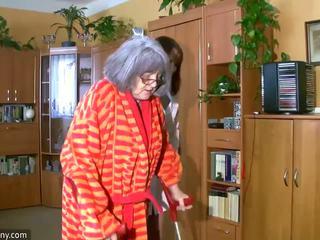 Товстушка пухка медсестра masturbate з старий бабуся