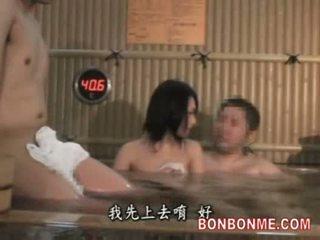 Femme baisée par amateur homme en spa partie 1 de 2