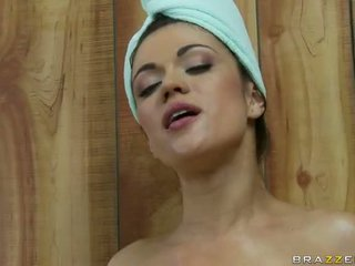Dalam yang sauna dengan dengan two miang/gatal lesbian remaja video