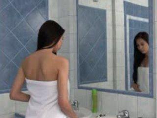 Paula teasing pachacha em o bath canal