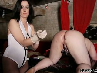 Video bdsm seance cire et fist anal maitresse claudiacuir