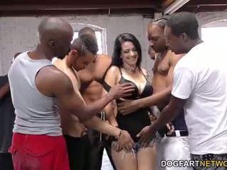 Katrina jade sucks จำนวนมาก ดำ cocks