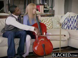 Blacked i parë ndërracore për e pasur vajzë riley nixon