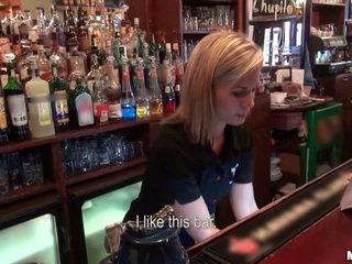 Aki kívánatos hogy fasz egy barmaid?