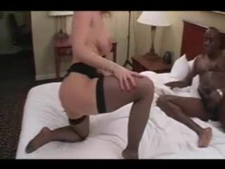 Rijpere amateur milf vrouw interraciaal hoorndrager loving