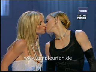 Madonna britney spears skūpstošie