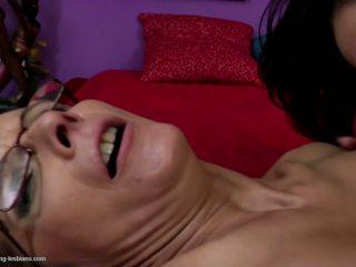 Jovem filha licks e fucks maduros mãe: grátis hd porno 1f