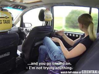 Ceko taxi - pirang rumaja gets ride of her life