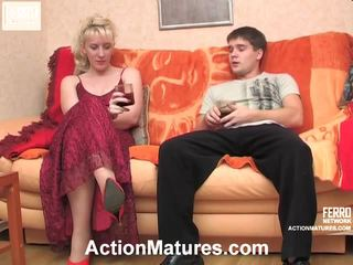 Silvia dan maximilian menjijikan dewasa tindakan
