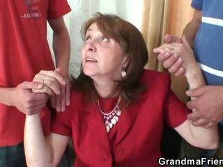 Poredne babi takes two rods