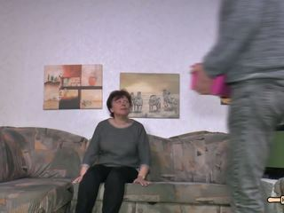 Hausfrauficken - Chubby German Granny gets Fucked...