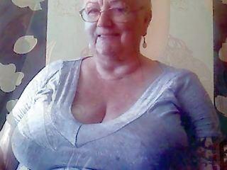 Huge Granny Tits Jerk off Challenge to the Beat: HD Porn b4