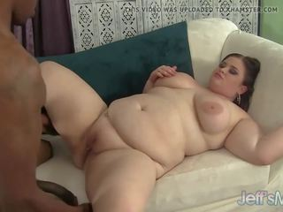 BBW Has Her Mouth and Cunt Fucked by a Black Dick: Porn b0