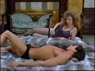 nominale brunette scène, orale seks video-, controleren speelgoed neuken