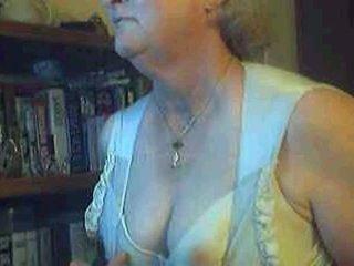 Terangsang perempuan tua di privat telanjang mengobrol ruang
