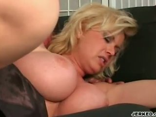 Moist Hot Milf Carolyn Monroe Slamming Her Pink Bald Snatch On An Awesome Cock