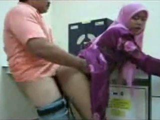 Hijab birou la dracu