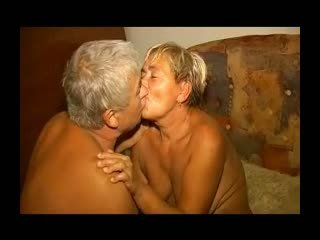 Fett lusty oma gets sie haarig fotze licked und gefickt r20