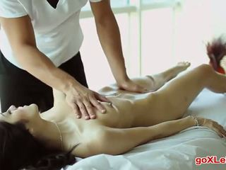 echt brunette film, slank, massage neuken