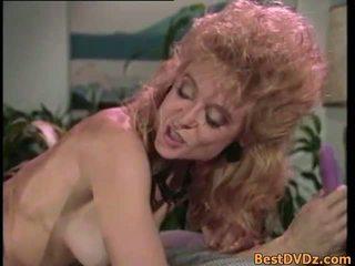 レトロ レズビアン licking 彼らの タイト puss