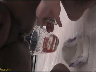 Barbi drinks piss from her podguznik