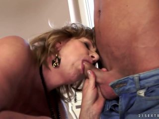 GILF Teacher and Her Younger Student, HD Porn c3
