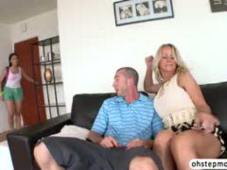 Valentina Catches Stepmom Sucking A Cock