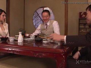 u brunette mov, mooi japanse neuken, zonder zadel scène
