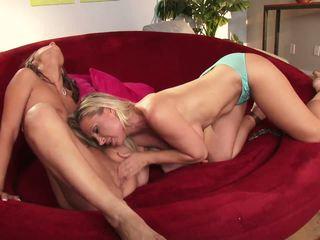 free tits, free blondes, big boobs online