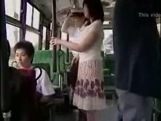 Сюрприз hanjob на автобус з double щасливий ending